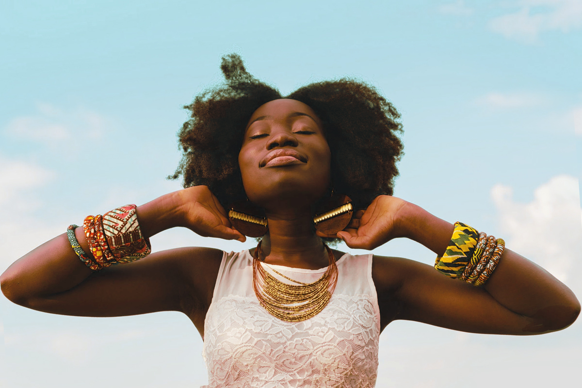 accessories-afro-beautiful-935985-newsletter3